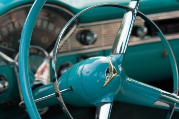classic-car-steering-wheel